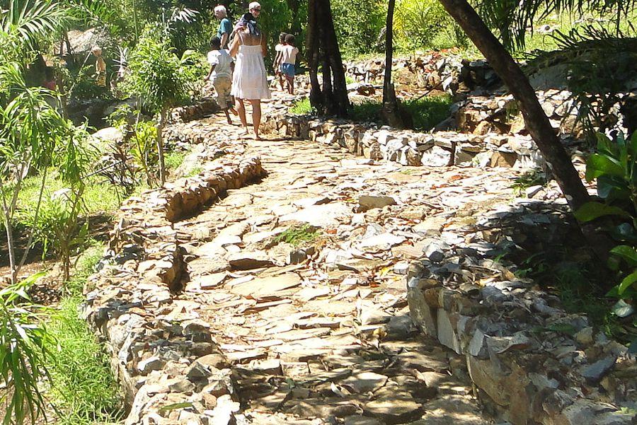 Jardin - Chemin de jardin en pierre ...